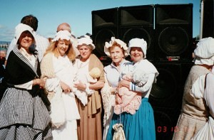 Re-enactment Sorrento , 200th anniversary 12 October 2003 (4), Kate Moffatt, Linda Bruton, Beryl Stonehouse, Tess Frost, Anne Gibson - Copy