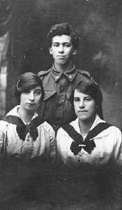 Oscar, Clare and Linda Vince  during WW I (SLofT PH30-1-9550)